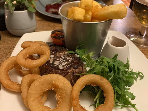 Pub Food & Sunday Lunch at The Village Inn at Liddington pub, Swindon